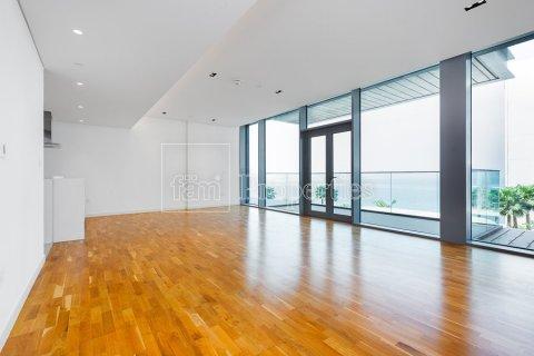 Apartment in Dubai, UAE 1 bedroom, 106.5 sq.m. № 3758 - photo 16