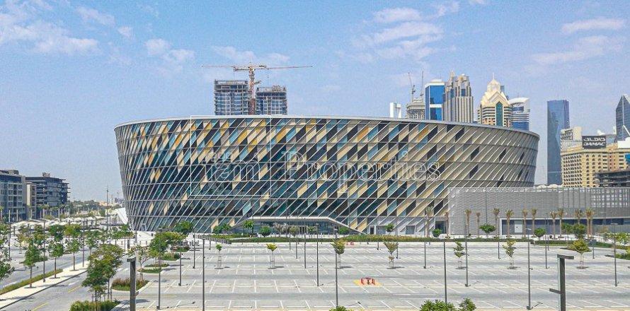 Apartment in Jumeirah, Dubai, UAE 3 bedrooms, 215.3 sq.m. № 5278