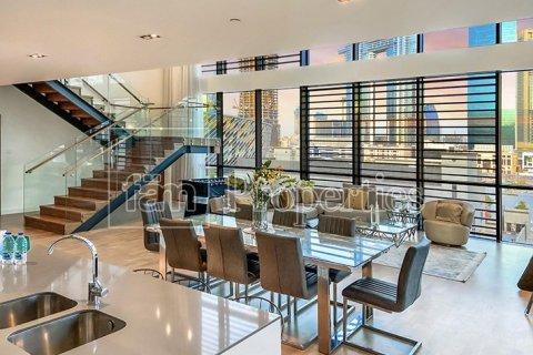 Apartment in Jumeirah, Dubai, UAE 3 bedrooms, 287.6 sq.m. № 4478 - photo 1