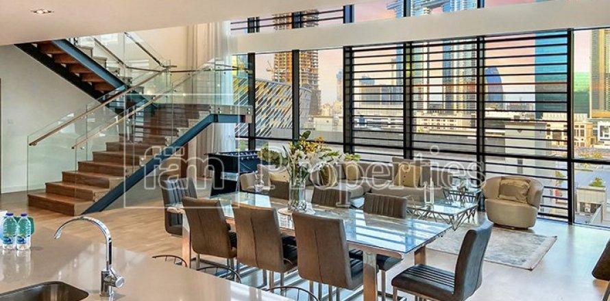 Apartment in Jumeirah, Dubai, UAE 3 bedrooms, 287.6 sq.m. № 4478