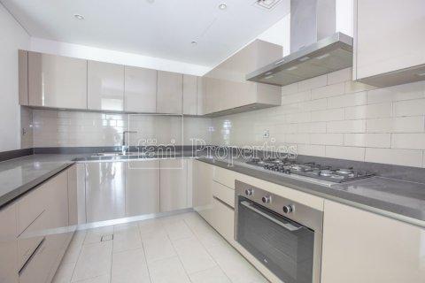Apartment in Dubai, UAE 3 bedrooms, 176 sq.m. № 4926 - photo 25