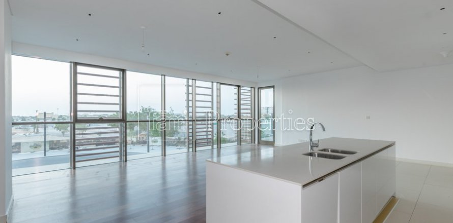 Apartment in Jumeirah, Dubai, UAE 3 bedrooms, 211.4 sq.m. № 4844