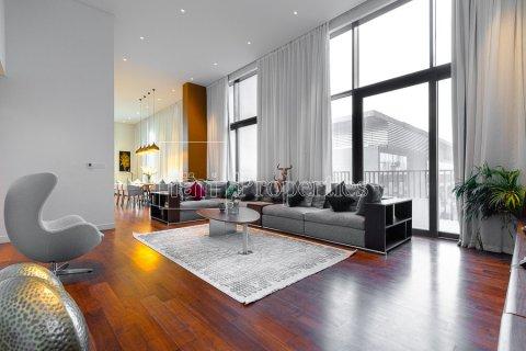 Penthouse in Jumeirah, Dubai, UAE 4 bedrooms, 521.4 sq.m. № 4481 - photo 1