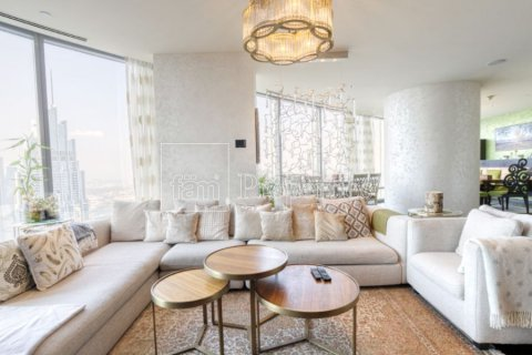 Apartment in Downtown Dubai (Downtown Burj Dubai), Dubai, UAE 3 bedrooms, 247.4 sq.m. № 3602 - photo 2